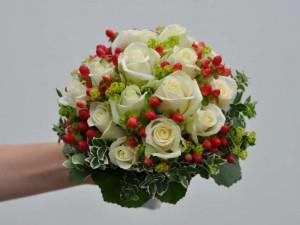 1.2 Brautstrauss weisse Rosen